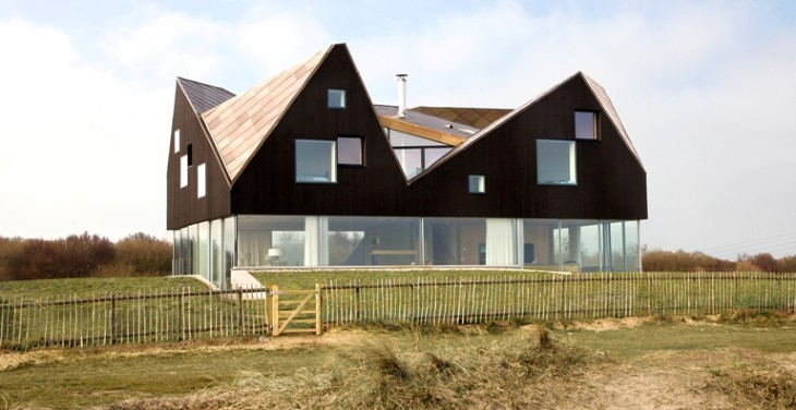 this is the related images of The Dune House Thorpeness